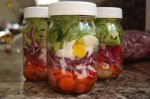 Eat healthy meals on the go with salads in a jar. - thesimplehive.com